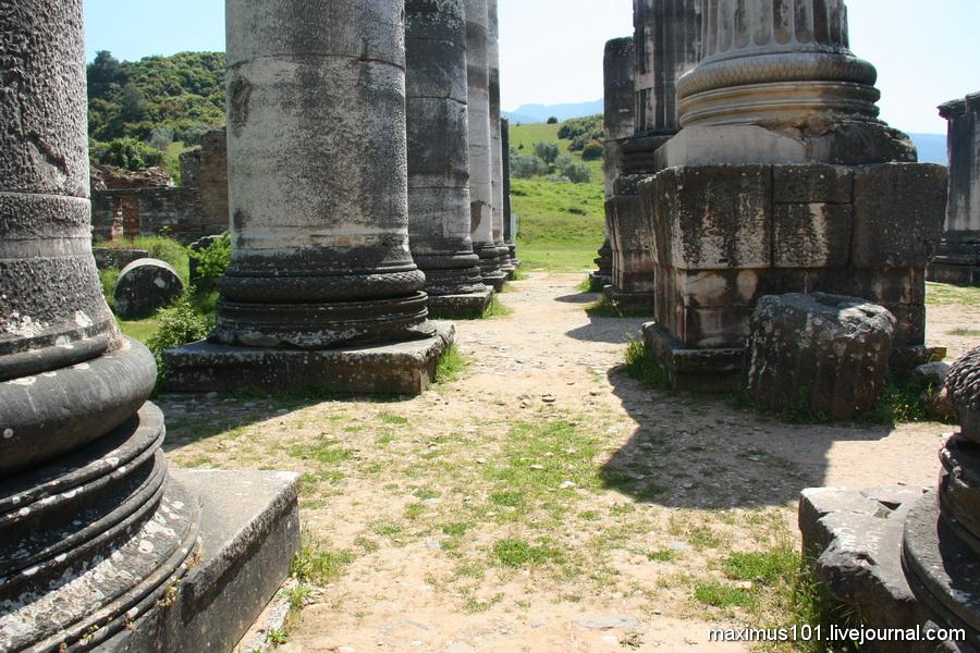 Руины храма Артемиды в Сардисе. Фотография предоставлена http://maximus101.livejournal.com/